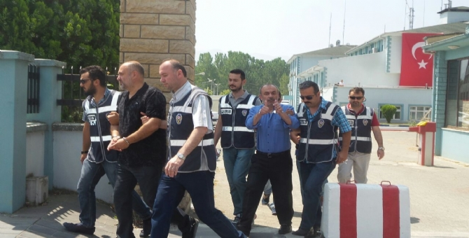 �� Adamlar� Tutukland�...